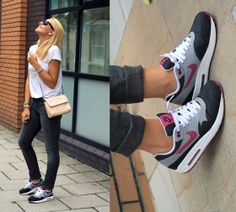 Nike Berry Air Max