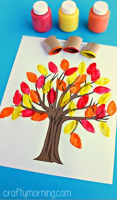 Toilet Paper Roll Leaf Stamping Fall Tree Craft #Fall craft for kids + Free printable! | CraftyMorning.com