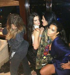 Family Kardashian/Jenner