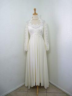Vintage 1960's Wedding dress William Cahill by KMalinkaVintage