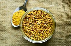 Difference and Similarities Between Bee Pollen, Propolis and Royal Jelly - Food Converter Nutritional Yeast, Nutritional Supplements, Getting Rid Of Mucus, Oregano Oil Benefits, Great Recipes, Healthy Recipes, Organic Superfoods, Healthy Mind, Health Benefits