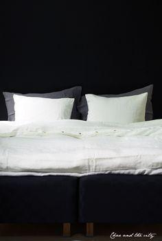 My dream black and white bedroom at Vepsäläinen: http://divaaniblogit.fi/charandthecity/2014/03/27/unelmieni-makuuhuone-vepsalainen/