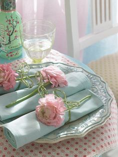 The perfect place setting, teal and pink