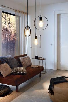 Lampen brengen niet alleen licht en gezelligheid in huis, een goed gekozen lamp past ook bij je woonstijl. Er is genoeg keuze, maar dat maakt het kiezen niet makkelijker. Daarom hebben we onze 5 favoriete hanglampen uitgezocht. Kijk je mee? (in samenwerking met Eglo)