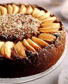 Copycat Recipe - Todd English's Olives' Restaurant Apple-Topped Gingerbread with Applesauce and Cinnamon Ice Cream Apple Desserts, Just Desserts, Delicious Desserts, Dessert Recipes, Cake Frosting Recipe, Frosting Recipes, Gingerbread Cake, Gingerbread Recipes, English Food