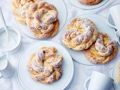 Kristallipullat Bagel, French Toast, Pie, Sweets, Bread, Homemade, Baking, Breakfast, Desserts
