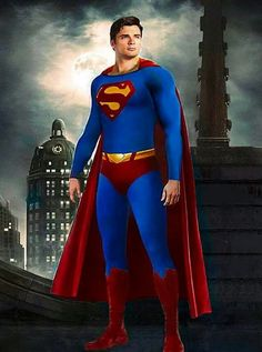 I like the Supergirl Superman at the same time it's like they were searching for the most pathetic crapptastic one for movies. Meanwhile here is the most deserving the one true Superman Tom Welling Serie Superman, Superman Family, Batman And Superman, Superman Actors, Superman Poster, Superman Cosplay, Supergirl Superman, Superman Stuff, Movies And Series