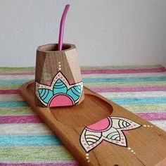 Clay Pot Crafts, Diy And Crafts, Crafts For Kids, Arts And Crafts, Pottery Painting Designs, Pottery Art, Painted Pots, Hand Painted, Wood Burning Art