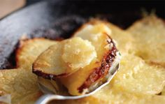 A quick and easy recipe for some seriously delicious potatoes, crisped to perfection with aged cheddar.