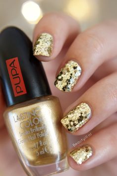 DIY Nail Art | PUPA Party Queen Nailart kit, Gold Paillettes ~ Beautyill | Beautyblog met nail art, nagellak, make-up reviews en meer!