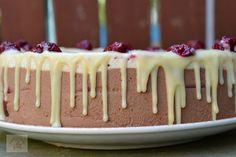 Tort cu mousse de ciocolata si visine - CAIETUL CU RETETE Mousse, Food Cakes, Cake Recipes, Pudding, Drink, Breakfast, Desserts, Cakes, Morning Coffee