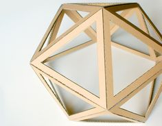 diy geo cardboard-shade. click on link for free template and video tutorial. http://www.helene-jourdain.fr/2015/04/abat-jour-diy-en-carton/