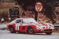 Ferrari 250 GTO (1962) - Teilnahme an der historischen Targa Florio Unser Ferrari-Fotoarchiv: https://www.zwischengas.com/de/bildermagie/ferrari?utm_content=buffer40d68&utm_medium=social&utm_source=pinterest.com&utm_campaign=buffer Foto © Archiv René Herzog