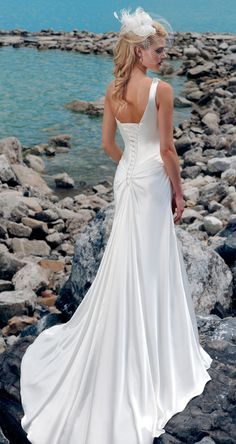 so beautiful beach wedding dresses. Will have to be sleeveless for me..