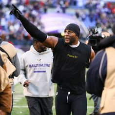 Ray Lewis waves to #Ravens fans during his post-game lap around the stadium. - Thanks for the memories Ray!