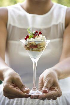 desert sa belim breskvama