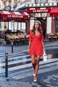 Une petite robe rouge in paris cute summer dresses fashion Suit Fashion, Red Fashion, Fashion Outfits, Luxury Fashion, Paris Fashion, Street Fashion, Fashion Ideas, Fashion Shoes, Classy Outfits