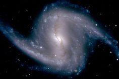 En eski ve en uzak galaksi hangisidir?    http://cevaplar.mynet.com/soru-cevap/en-eski-ve-en-uzak-galaksi-hangisidir-/6465416