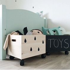 Love this simplicity of this and the huge difference it makes to plain toy storage box. We definitely need large toy storage boxes in the house! Creative Toy Storage, Kids Storage, Storage Boxes, Storage Ideas, Baby Toy Storage, Storage Design, Wood Storage, Girl Room, Baby Room