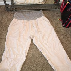 Lululemon pant 100 percent tencel/Lyocell Cute baggy lulu cream striped waist inseam 21 pockets lululemon athletica Pants Track Pants & Joggers