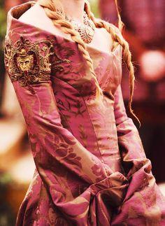 Cersei Lannister Costume Detail