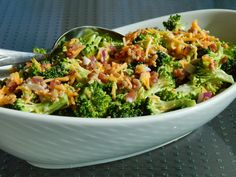 Cut the Wheat: Sweet & Tangy Broccoli Salad - minus bacon cuz I think it'll just get soggy and I want to make a giant batch of this :)