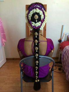 Elegant Sri Lankan Hindu Bride Hairstlye