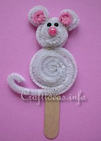 Chenille / Pipe Cleaner Popsicle Stick Mouse (Note to self: cute idea for a little puppet, bookmark, felt board story, etc) Animal Crafts For Kids, Craft Activities For Kids, Toddler Crafts, Kids Crafts, Art For Kids, Craft Projects, Arts And Crafts, Mouse Crafts, Hat Crafts