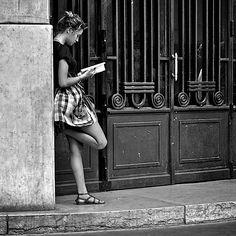 Black & White - http://www.laregalerie.fr/black-and-white-in-the-streets/