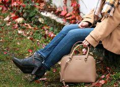 Mit meiner Michael Kors Tasche bin ich immer stylish unterwegs. Sie paßt nahezu zu allem und ist so handlich. #handtasche #michaelkors #handbag #camel