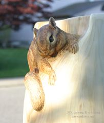 Chipmunk woodcarving_angle