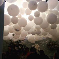 Just love this balloon installation that was @ #bridestheshow this wknd see more devinebride.co.uk - it reminds me of #coventgardenballoons and @victoriabeckham #lfw party #weddingdecor #weddingdetails #weddingballoons #weddinginspiration #weddingplanner #weddingideas #weddingblog #weddingblogger #londonblog #londonblogger #bridetobe @brides #devinebride