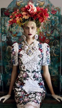 """In Dolce? Shot by Mario Testino? huffpoststyle: """" Loving this look! dolcegabbana: """" Karlie Kloss in Dolce&Gabbana for Vogue UK, shot by Mario Testino """" """" Mario Testino, Look Fashion, Fashion Art, High Fashion, Womens Fashion, Floral Fashion, Vogue Fashion, Baroque Fashion, Fashion Shoot"""