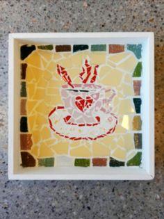 Bandejita con mosaicos por María Cristina Arca en el taller de Ricardo Stefani