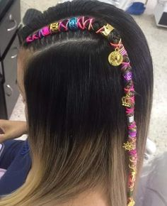 Peinados Pin Up, Pictures To Draw, Dreads, Braided Hairstyles, Hair Beauty, Poses, Hair Styles, Braided Hair, Cushion Wedding Bands