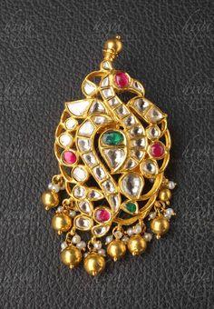 Kundan Peacock Pendant from Hiya Designer Jewellery Gold Bangles Design, Gold Earrings Designs, Gold Jewellery Design, Designer Jewellery, Gold Jewelry, India Jewelry, Antic Jewellery, Antique Jewellery Designs, Antique Jewelry