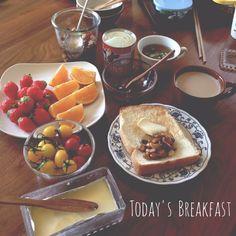 パンで朝ご飯♪