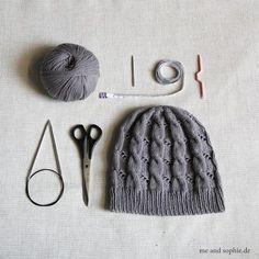 Baby Knitting Patterns Yarn Hermione& Zopfmütze - a free guide Bonnet Crochet, Crochet Beanie, Crochet Baby, Knitted Hats, Poncho Knitting Patterns, Baby Knitting, Crochet Patterns, Hermione, Bamboo Knitting Needles