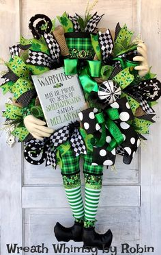 Patrick's Day Crafts and Decoration Everybody in Your Household Will Love St Patricks Day Crafts For Kids, St Patrick's Day Crafts, Diy Wreath, Door Wreaths, Wreath Ideas, Saint Patrick's Day, Holiday Wreaths, Holiday Decor, St Patrick's Day Decorations