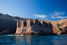 Islas Berlengas, el paraíso de Portugal que todavía no conoces Algarve, Water, Travel, Outdoor, Lisbon, Sand Beach, Elopements, Monuments, Boats