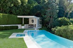 Waldo Fernandez's Mid-century Los Angeles Home : Architectural Digest- Fernandez replaced the old pool with a limestone version of his own design and built a pool house. Architectural Digest, My Pool, Outdoor Swimming Pool, Backyard Pools, Pool Landscaping, Patio Design, House Design, Front Design, Moderne Pools