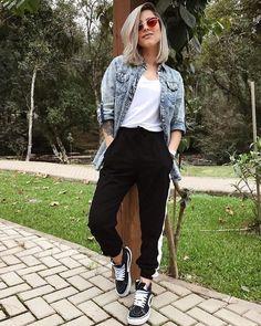 Look minimalista - como se vestir de maneira minimalista - Outfits - Mode Outfits, Fashion Outfits, Fashion Casual, Jeans Fashion, Ladies Fashion, Fashion Ideas, Look Street Style, Mein Style, Cute Casual Outfits