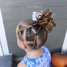 3 side ponies combined into 2 rope twists up to a high side messy bun! This style is QUICK! Toddler hAir ideas