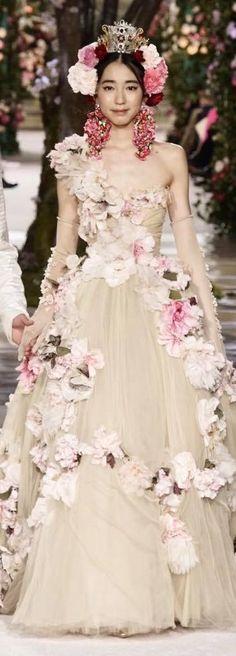 Dolce&Gabbana Spring 2017 Alta Moda and Alta Sartoria, Tokyo National Museum, Tokyo April 2017