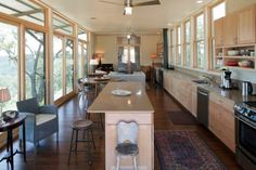 horizontal kitchen, lined by windows