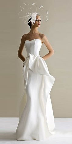 Wedding Dress - In this article we collected unique wedding gowns. We submit fashion forward wedding dresses a variety of fabrics, diffrent styles. Choose one for youself! Wedding Hats, Wedding Attire, Wedding Gowns, Wedding Blog, Wedding Ceremony, Wedding Story, Chic Wedding, Wedding Ideas, Dresses Elegant