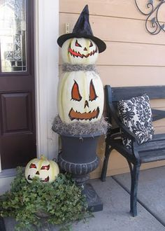Great jack-olantern faces! loving the top pumpkin with the witch hat