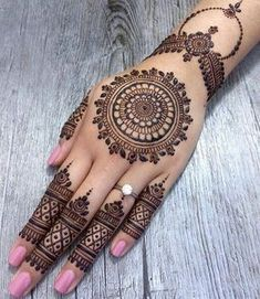 Mehndi henna designs are always searchable by Pakistani women and girls. Women, girls and also kids apply henna on their hands, feet and also on neck to look more gorgeous and traditional. Henna Tattoo Designs Simple, Finger Henna Designs, Full Hand Mehndi Designs, Mehndi Designs Book, Modern Mehndi Designs, Beautiful Henna Designs, Mehndi Designs For Fingers, Tattoo Designs For Women, Simple Henna