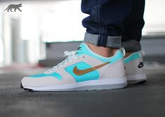 nike archive 75 (light aqua / metallic gold - summit white)