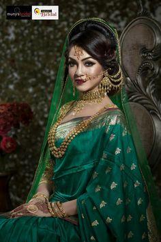 Ideas For Indian Bridal Nose Ring Bengali Bride Pakistani Wedding Outfits, Indian Bridal Outfits, Indian Bridal Fashion, Pakistani Bridal, Indian Dresses, Bridal Looks, Bridal Style, Bridal Nose Ring, Wedding Saree Collection